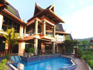 Beautiful Villa, Heart of Phuket!, Phuket-ville