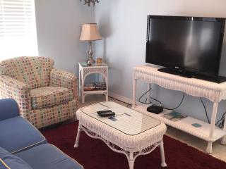 SUMMER BREEZE ~ SLEEPS 6 ~ GREAT VALUE, Navarre