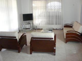 Accra Vacation/holiday Rentals - 2 bedrooms