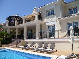 GREAT VILLA WITH SAUNA & NEAR BEACH, Elviria