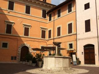 APPARTAMENTO VANCAZE PALAZZO STORICO, Spoleto