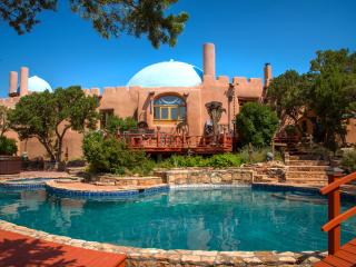 Rass Mandal - Residence on 10 Acres; Pool, Hot Tub, Santa Fe