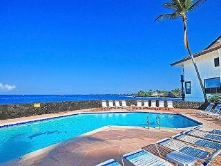 Affordable Oceanfront Sea Village Condo, Kailua-Kona