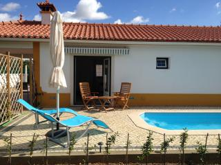 Self contained cottage with your own private pool, Constância