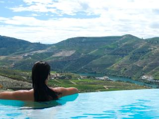 Quinta Rainha - Douro Valley - Near Pinhao - 5* Luxury - Infinity Pool - Aircon