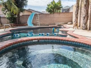 Secluded 4 Bed Pool Home, San Fernando