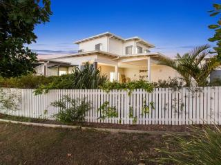 HAMPTON BEACH HOUSE ON AVOCA 3, Casuarina