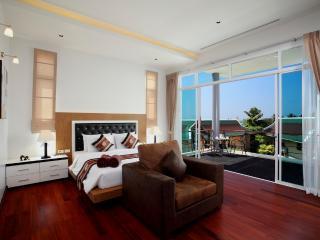 Luxury Modern Villa Heart of Phuket!, Phuket-ville