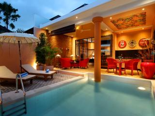 Colorful and modern villa 500m from Seminyak beach