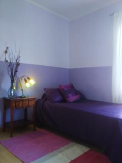 Habitación con cama de plaza y media más cama supletoria