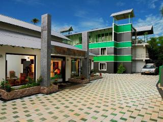 Thekkady Spice Valley Holiday Hotel