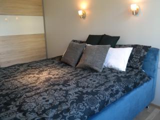 Huge, Comfortable Bed