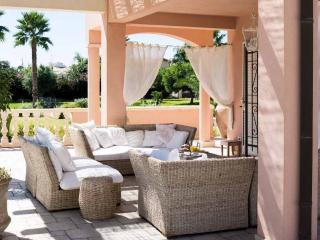 Villa Meridiana, Luxury Seaside Pool Villa, Ragusa, Punta Secca