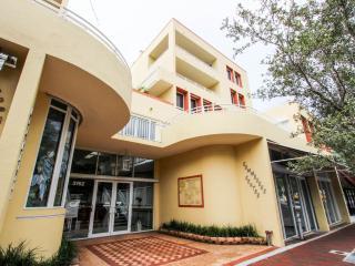 Commodore Inn The Grove, Miami