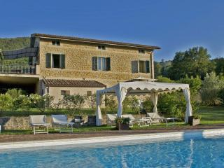 Private Villa with pool,8 sleeps, Marche, Macerata, Smerillo