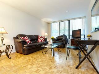 LARGE 1 bedroom suite PRIME location YONGE ST 1FL, Toronto