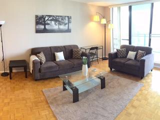 LARGE 2 bed 1.5 bath suite + net + cable 16th flor, Toronto
