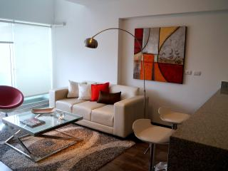 MIRAFLORES 1BED DUPLEX CITY VIEWS, Lima