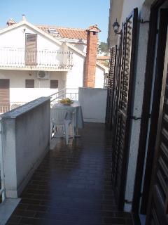 A6(4): terrace