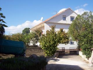 5164  A2(4+2) - Mastrinka, Ciovo Island