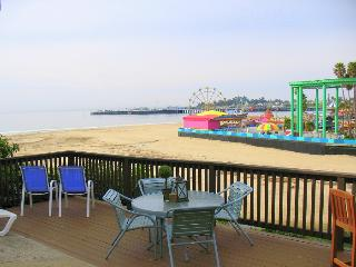 1110/Boardwalk Views *OCEAN VIEW* WALK TO BOARDWALK*, Santa Cruz