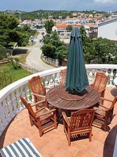 A8(4+2): terrace