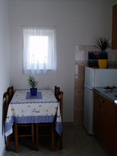 Veliki(4): dining room