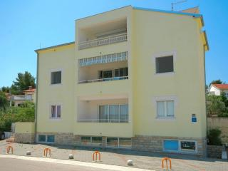 5684  A1(2+2) - Arbanija