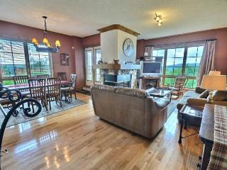 Nice House with 3 Bedroom, 2 Bathroom in Mont Tremblant (L'Equinoxe   172-1)