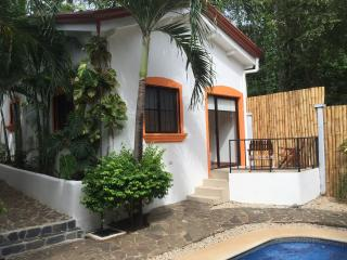 Hotel Gardenia Quiet Cottage 1BR 5min to the beach, Tamarindo