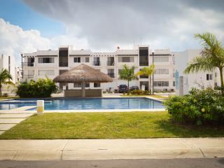 Apartment for 6, with cable and WIFI CLAVEL 4, Playa del Carmen