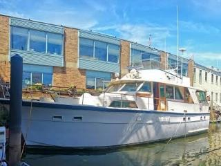 Luxury Yacht  -- Walk to Historic Sites & More!, Philadelphia