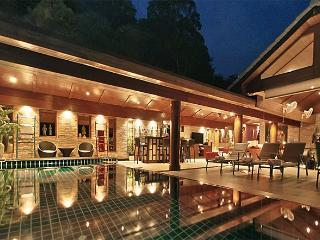 Luxury 6-13 Bedroom Pool Villa with Chef Service, Kamala