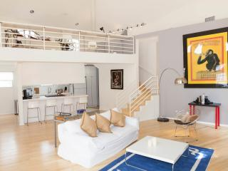 Immaculate Modern Silverlake House 2000 sq. ft., Los Angeles
