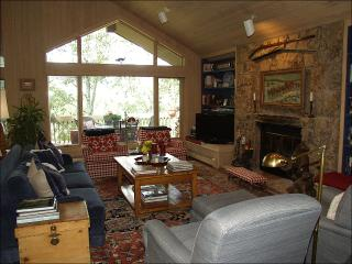 Walk 1 block to ski access - 6th bedroom mother-in-law unit optional (2295), Snowmass Village