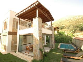 414-Bodrum Kadikale 3 Bedroomed Dublex with Pool, Cavusin