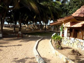Ayikoo Beach House, Elmina