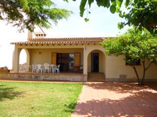 0106-PANI Casa con 4 dormitorios y jardin
