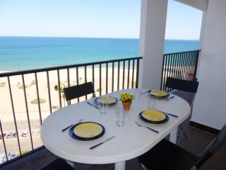 0102-KARINA Apartamento con vistas al mar