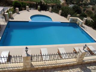 Huge Infinity Pool - Childrens Pool - Sea Views