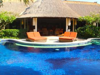 "Bali Akasa Villa ""Absolute Bliss"" 4-7 Bedrooms WOW"