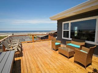 HALLIE~ MCA# 314~Across the street from the beach, Spectacular ocean views, Manzanita
