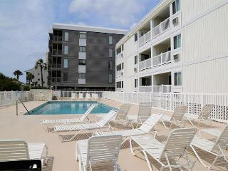 Nice, Peaceful, Convenient 2 Bedroom on Shore Drive, Myrtle Beach