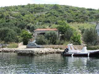 Holiday House Dino, Dalmatian island