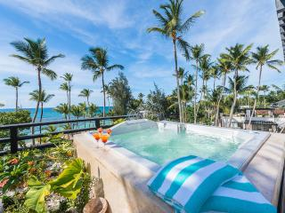 Three-bedroom beachfront penthouse with private rooftop jacuzzi (M9), Las Terrenas