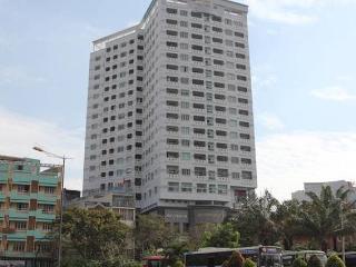 Modern 2BR Apartment Center District 1 (7C2)