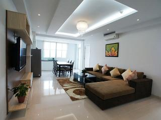 Modern 2BR Apartment Center District 1 (7C2), Ho-Chi-Minh-Stadt