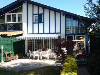 adosado en Hendaya con piscina y jardín privado, Hendaye