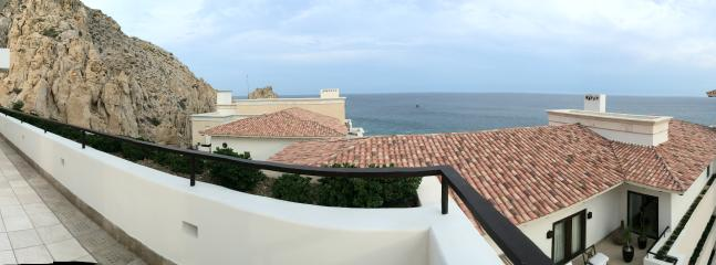 Panoramic views from the balcony with view of the Pacific Ocean