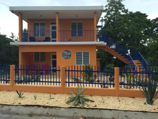 El Mamey upper House , 15 min from beach walking, Rincón